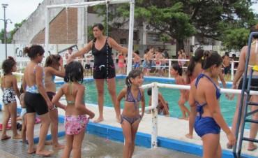 """""""Gracias al Club Independiente este año se realiza la propuesta acuática para las escuela de verano"""""""