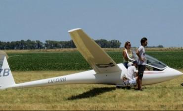 Nacional de vuelo a vela: Godenzweig a un paso del título