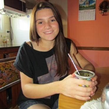 Tiene 16 años, es mujer y se recibió de Auxiliar Mecánico en el Centro de Formación Profesional 401