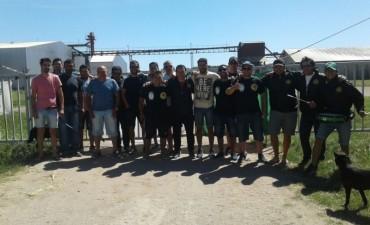 Los trabajadores de la Aceitera llevan un mes en la fábrica