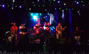 'La Caravana Reggae' fue el grupo telonero de 'Los Cafres' en Carhué