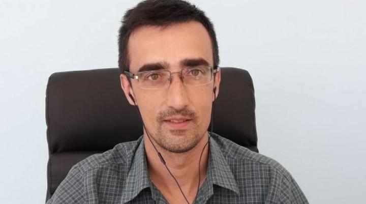 Fernando Gómez es la cara de 'Seguros Rivadavia'