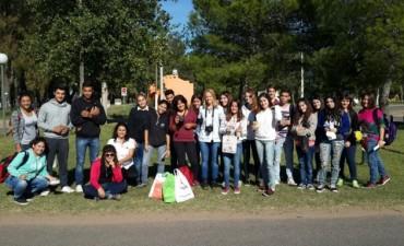 Los estudiantes de la E.E.M Nº4 intervinieron el Parque Las Acollaradas en el Día de la Memoria, la Verdad y la Justicia