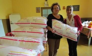 Se hizo entrega de 15 almohadas para el Hogar de Ancianos