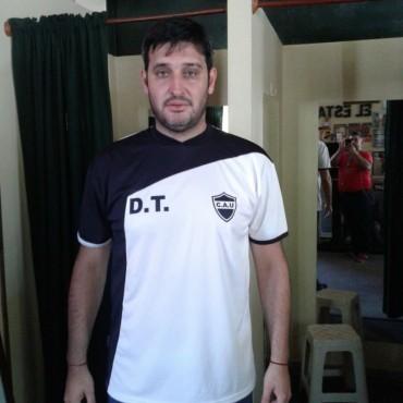 Antes de la apertura de la Liga Pehuajense, los DT de los clubes dialogaron en exclusiva por FM10: ATLÉTICO URDAMPILLETA - JUAN ALFONSÍN