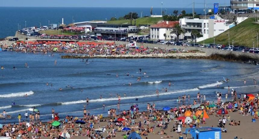 (Y la crisis donde está) Más de 200 mil personas visitaron Mar del Plata durante el fin de semana