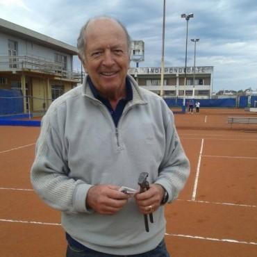 Tenis Homenaje: Desde este lunes, la cancha N°3 de Independiente tendrá nombre