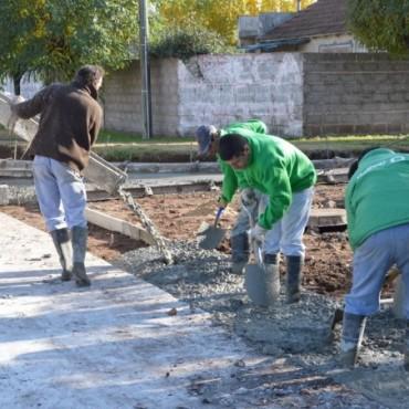 Avanza el 'Pavimento Contínuo' en barrio Solidaridad