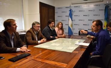 Bolívar: Ministros Sarquís y Villlegas con vecinos, productores y sindicatos de la región