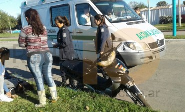 Incidente de tránsito en avenida Mariano Unzué: una joven hospitalizada