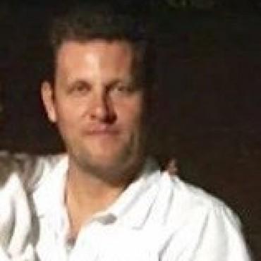 CENTRO DE DOCUMENTACIÓN RÁPIDA: La propietaria del local de Quintana y Gral. Paz reclama al Ministerio del Interior alquileres impagos en la gestión anterior