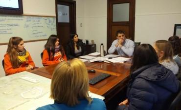 Se firmó un acuerdo para que alumnos del ex nacional viajen a ArteBA