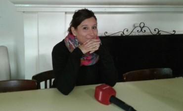 Ciclo Miradas II: 'El día de la falda' en el Avenida presentada por Lorena Mega