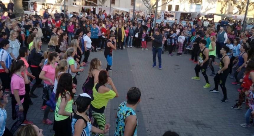 25 de Mayo a puro ritmo en el Centro Cívico