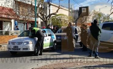 Accidente a mitad de cuadra en avenida San Martín