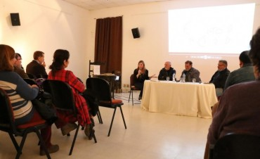 CON EL AUSPICIO DE LA MUNICIPALIDAD: Yesica Gallo presentó