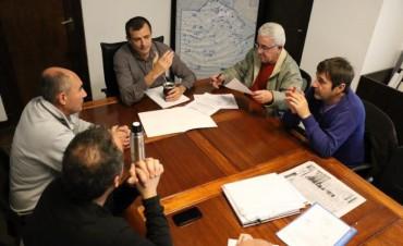 INFRAESTRUCTURA DEPORTIVA: El Intendente recorrió el Club Estudiantes y se reunió con miembros del Club Empleados