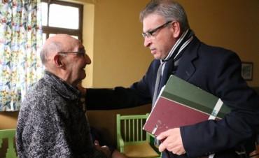 Ibáñez y Gallego hicieron entrega de 16 colchones al Hogar de Ancianos San Vicente de Paul