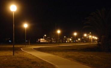 Parquización Ferrocaril: Colocación de luminarias y construcción de mobiliario urbano