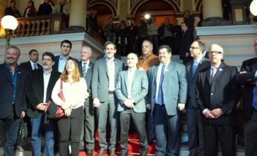 Sandra Santos y Manuel Mosca presentes en el acto en la Legislatura por el Bicentenario de la Patria