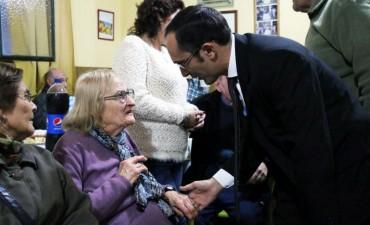 Pisano celebró el 9 de Julio con los abuelos del asilo San Vicente de Paul