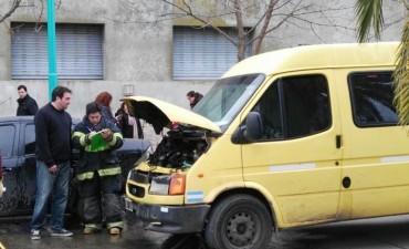 Incidente con una combi frente al Colegio Cervantes