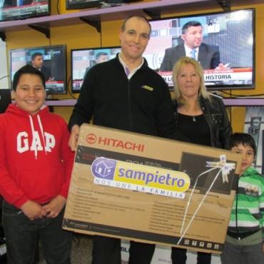 Sampietro sigue entregando premios