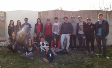 E.S Nº10: Se necesita pintura de exterior para un proyecto solidario