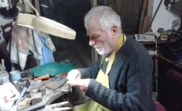 Un artesano bolivarense que ha conquistado las ferias de todo el país