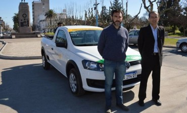 El intendente interino Marcos Pisano, presentó un nuevo vehículo para Obras Públicas