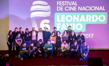 GANARON MISS, LOS SENTIDOS Y CENTAURO: Con un gran show culminó la sexta edición del Festival Leonardo Favio