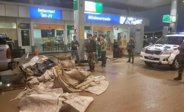 GOLPE A LA PESCA CLANDESTINA: Operativo policial en estación de Servicio Petrobras, ruta 65 y 86