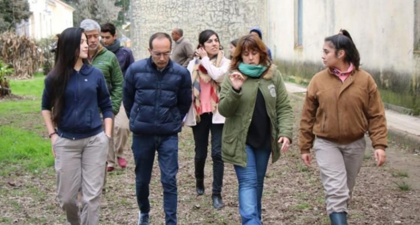 Pisano visitó la Escuela Agrotécnica Dr. Ing. Amadeo Tómas
