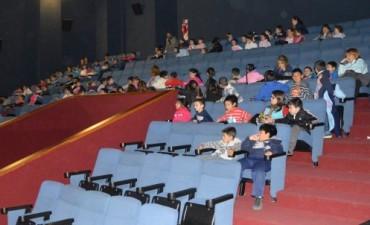 Cine Avenida: Se realizó una jornada de educación vial para niños