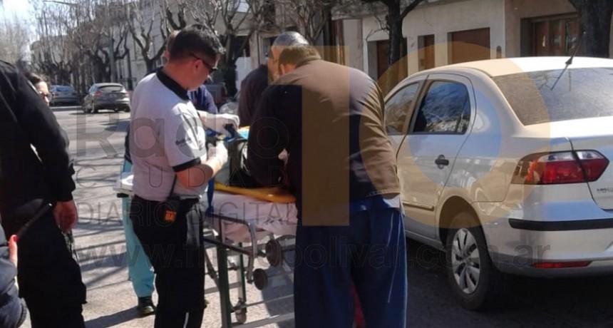 Accidente en Mitre y Alvear: Una mujer debió ser hospitalizada