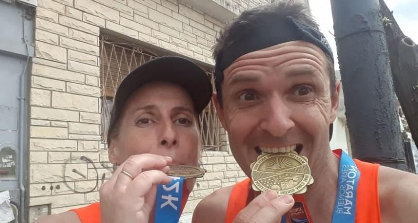 Pablo Troncoso y Maru Videla vivieron la gran experiencia de correr lo 42k de Buenos Aires