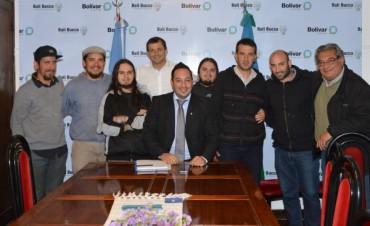 La Caravana Reggae y Xinergia hicieron su paso por el Centro Cultural Kirchner, y luego visitaron al Intendente Municipal