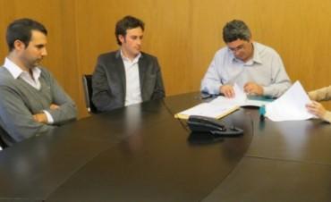 Emergencia Agropecuaria: Veinticinco de Mayo firmó convenios y recibirá $2.100.000 del Gobierno Nacional