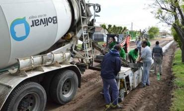 El municipio está realizando Cordón Cuneta en Barrio Solidaridad
