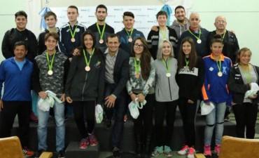 El intendente Bucca recibió a los deportistas que obtuvieron medallas
