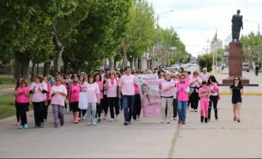 Se llevó a cabo la caminata por la lucha contra el cáncer de mama
