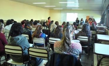La Dirección de Derechos Humanos se capacita en 'Violencia de Género'