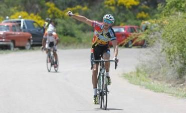 Elías Pereyra ganó la Vuelta al Valle 2014