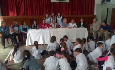 El encuentro de varias generaciones, en los preparativos de los 125 aniversario de la E.P Nº6