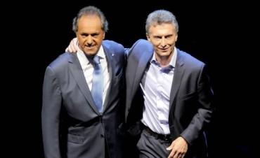 Scioli se centró en las propuestas y Macri en que su plan no es una vuelta al pasado