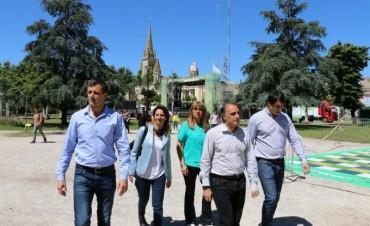 El intendente Bucca junto al ministro de Cultura bonaerense Alejandro Gómez presentaron Acercarte