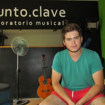 Escuela de Estética: Encuentro musical de las actividades escolares en el Cine Avenida