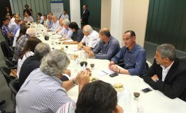 Bali Bucca se reunió con Intendentes de la provincia, para establecer una agenda común