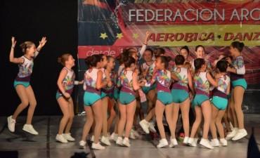 Las chicas de aeróbica del Club Ciudad de Bolívar competirán en un torneo internacional en México en el mes de mayo del 2016