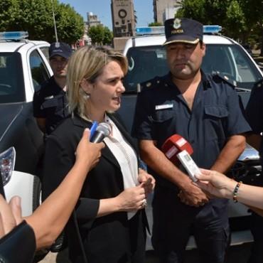 El Municipio entregó dos nuevos móviles policiales que serán destinados a las localidades de Hale y Pirovano